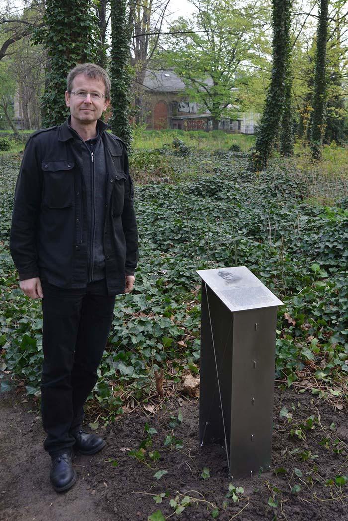 Hermann-Reichelt-Gedenkpult