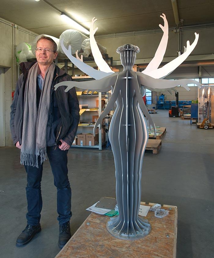 NYMPHE, Skulptur für den Eduard-Bilz-Platz in Radebeul, Roland Fuhrmann